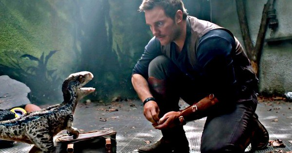 Jurassic-World-Fallen-Kingdom-Final-Teaser-Baby-Blue